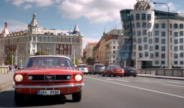záběr z filmu Až po uši